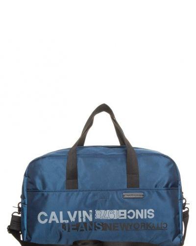Calvin Klein Jeans Calvin Klein Jeans Weekendbag Blått. Resvaskor håller hög kvalitet.