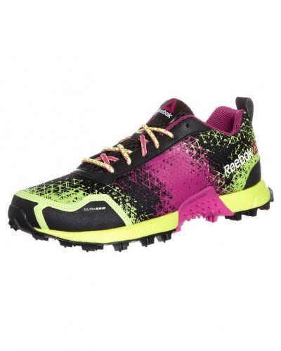 Reebok Wild extreme löparskor. Traningsskor håller hög kvalitet.