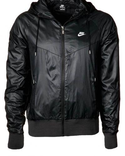 Nike Sportswear Windrunner tunn jacka. Traning håller hög kvalitet.