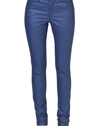 Blå slim fit jeans från Vero Moda till dam.