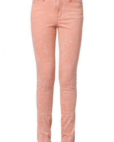 Rosa slim fit jeans från Vero Moda till dam.