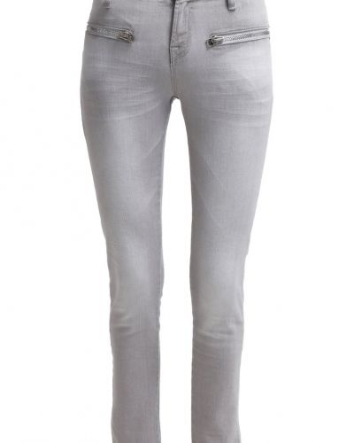 2 Love Tony Cohen slim fit jeans till dam.