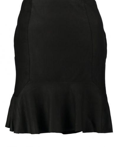 Till mamma från Y.A.S, en kjol.