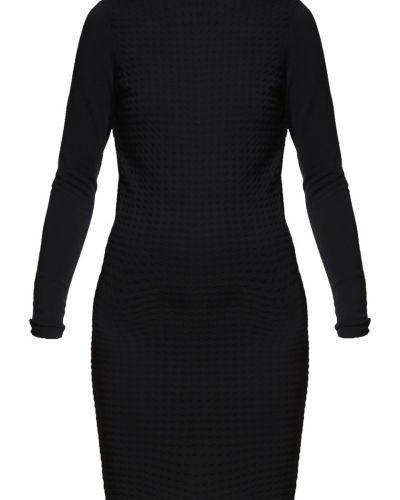 Y.A.S stickade klänning till mamma.