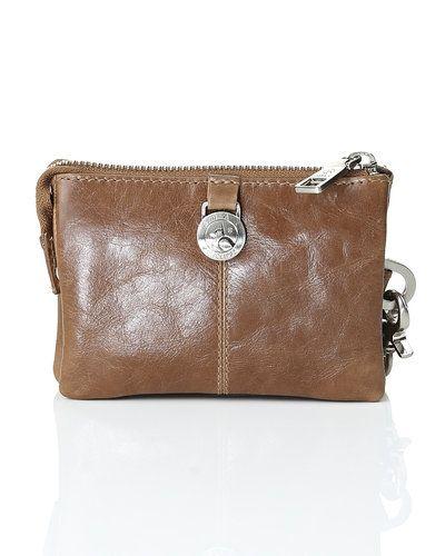 Brun kuvertväska från Adax till tjejer.