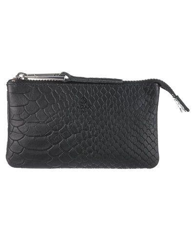 Till dam från Adax, en svart plånbok.