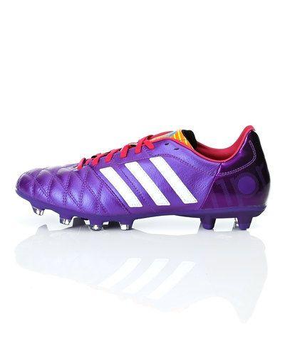 Adidas Adidas 11Nova TRX FG fotbollsskor. Grasskor håller hög kvalitet.