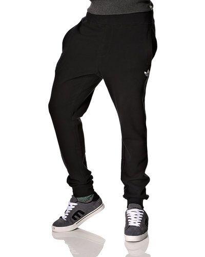svarta adidas mjukisbyxor