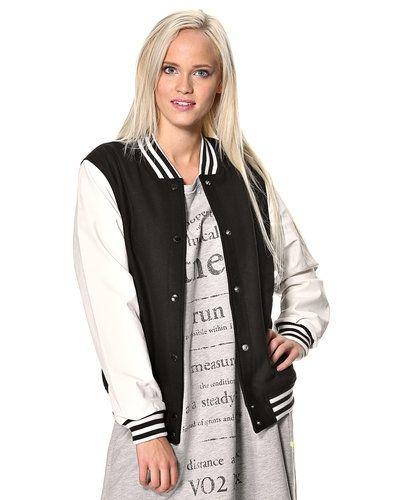 Till dam från Adidas Originals, en svart övriga jacka.