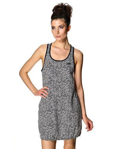 Adidas Originals klänning Adidas Originals klänning till dam.