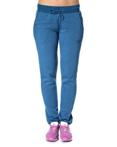 Adidas Originals 'S Fle Cuffed' sweatpants Adidas Originals mjukisbyxa till dam.