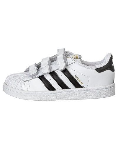 adidas Originals 'Superstar Foundation' sneakers Adidas Originals sneakers till barn.