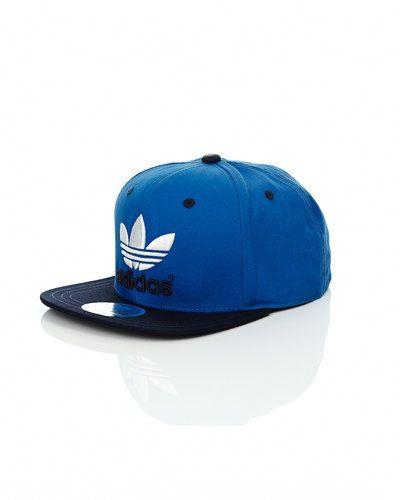 Adidas Originals 'Tre Flat' flat snapback cap från Adidas Originals, Kepsar