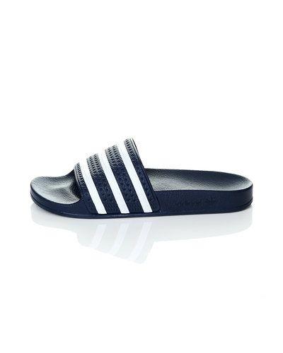 Till unisex/Ospec. från Adidas Originals, en blå sandal.