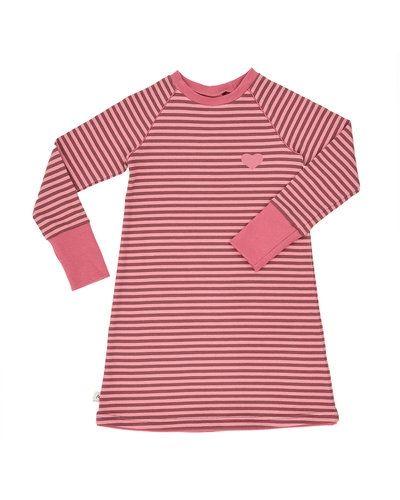 Till tjej från AlbaBabY, en flerfärgad klänning.