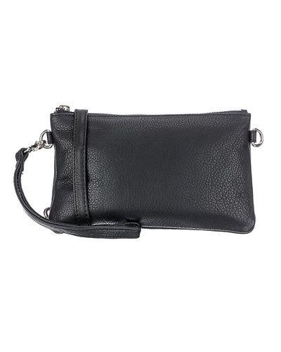 Till tjejer från Amust, en svart kuvertväska.