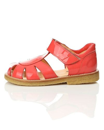 Till dam från ANGULUS, en röd sandal.