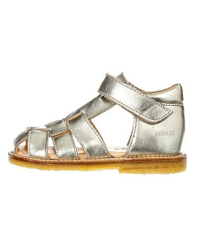 Sandal från ANGULUS till tjej.