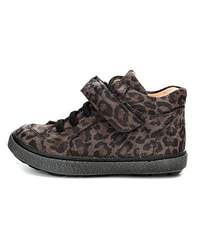 Till dam från ANGULUS, en brun sko.