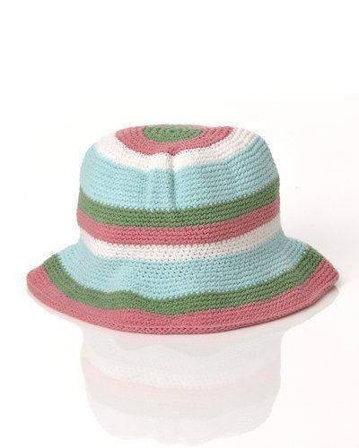 Aya Naya hatt från Aya Naya, Hattar