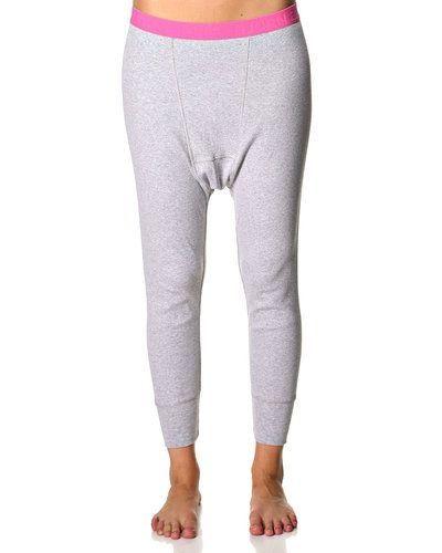 Till dam från Björn Borg, en grå pyjamas.