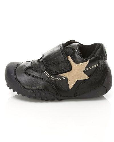Till barn från Bundgaard, en svart sneakers.