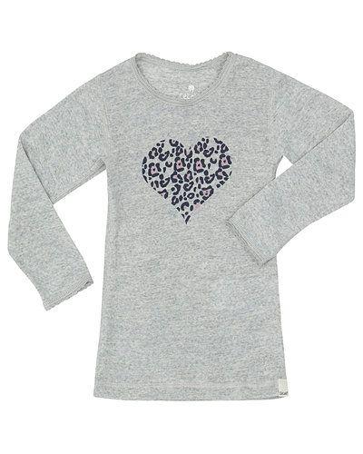 Till tjej från CeLaVi, en grå tröja.