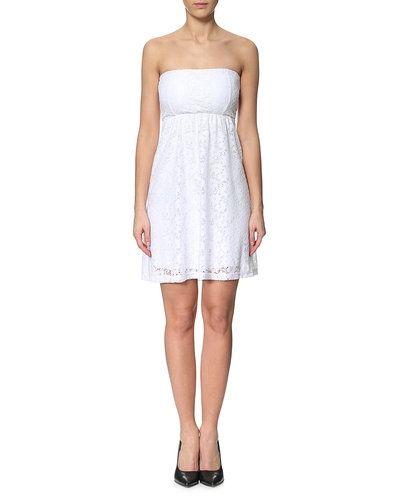Till tjejer från CHEAPLOADER, en vit studentklänning.