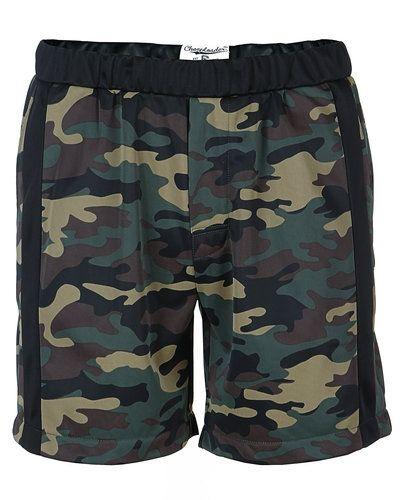 Grön shorts från CHEAPLOADER till herr.