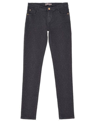 Till tjej från Creamie, en blå jeans.