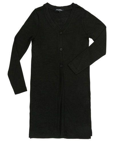 Till tjej från D-xel, en svart tröja.
