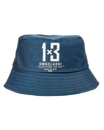 Till unisex/Ospec. från D-xel, en blå mössa.
