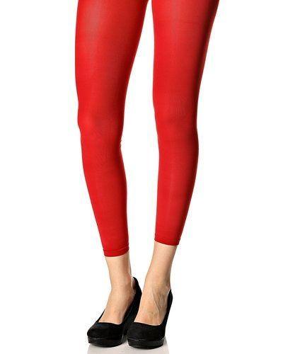 Till dam från DIM, en röd leggings.