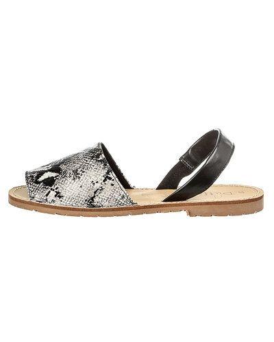 Duffy sandal till dam.