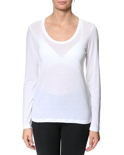 Till dam från Filippa K, en vit t-shirts.