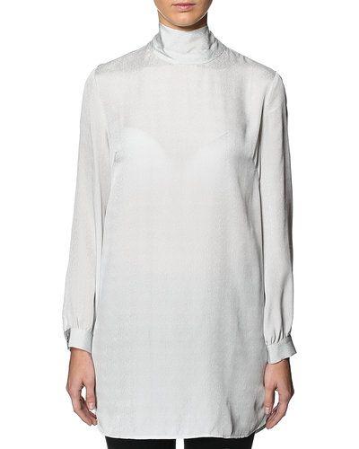 Till dam från Filippa K, en grå tunika.