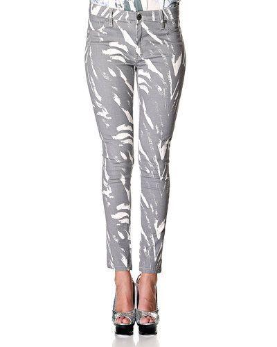 Till dam från Fiveunits, en grå blandade jeans.