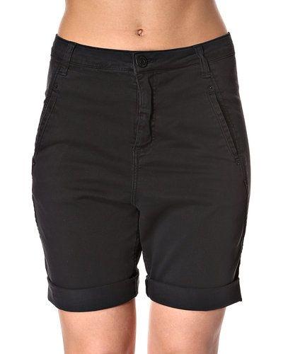 Fiveunits shorts till dam.