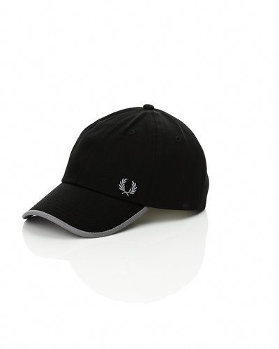 Fred Perry 'Classic Laurel Wreat' cap från Fred Perry, Kepsar