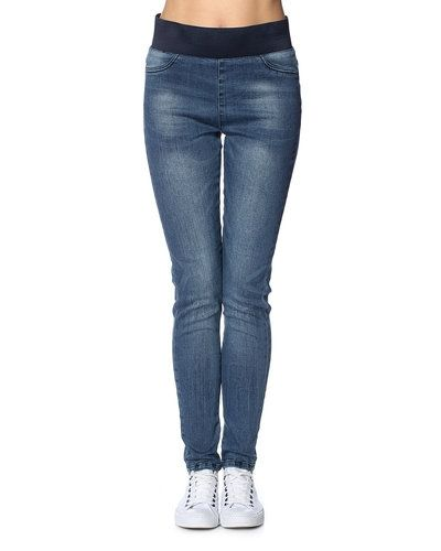 Freequent jeans Freequent blandade jeans till dam.