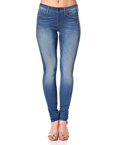 Till dam från G-Star, en blå blandade jeans.
