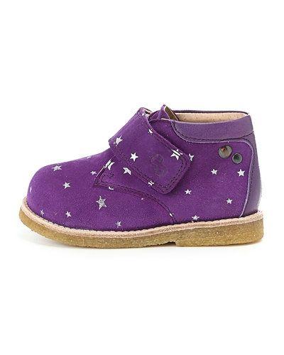 Till unisex/Ospec. från Green Comfort, en lila sko.