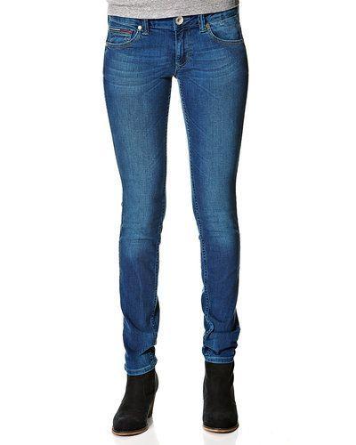 Till dam från Hilfiger Denim, en blå blandade jeans.