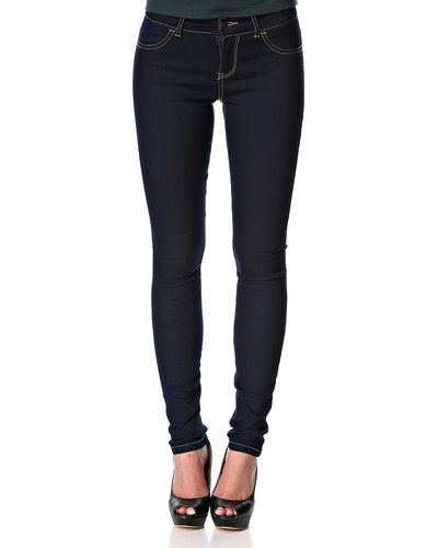 Till dam från Jacqueline de Yong, en blå blandade jeans.