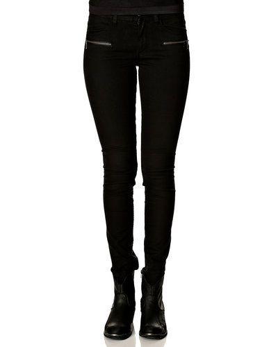 Svart blandade jeans från Jacqueline de Yong till dam.
