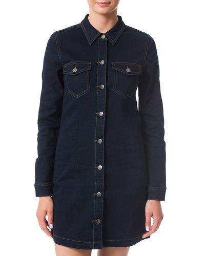 Blå jeansklänning från Jacqueline de Yong till tjejer.