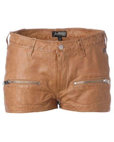 Till dam från Jofama, en brun shorts.