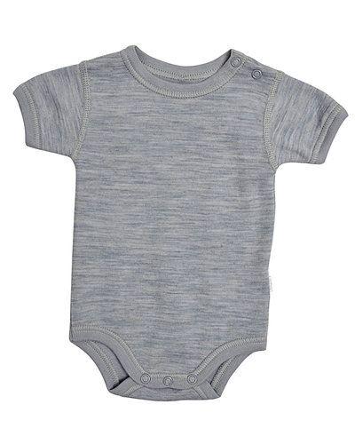 Till barn från Joha, en grå bodys.
