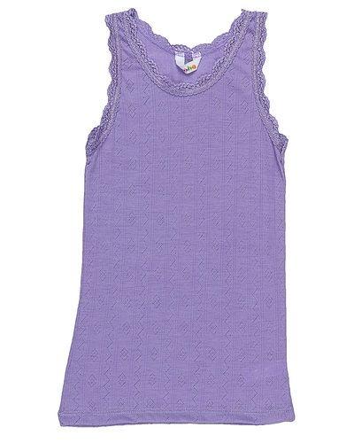 Till dam från Joha, en lila tröja.