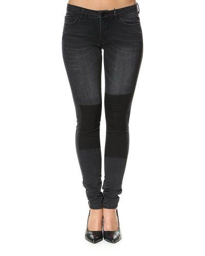 Jeans från JUST FEMALE till dam.